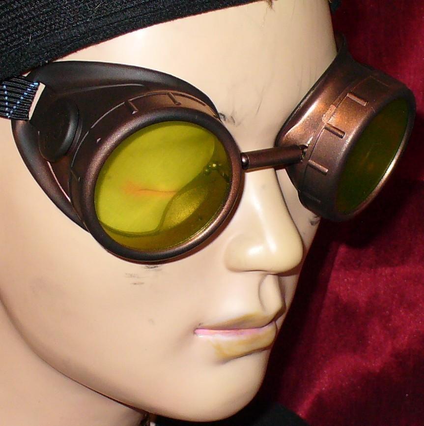 Dark Brown Goggles: Green Lenses