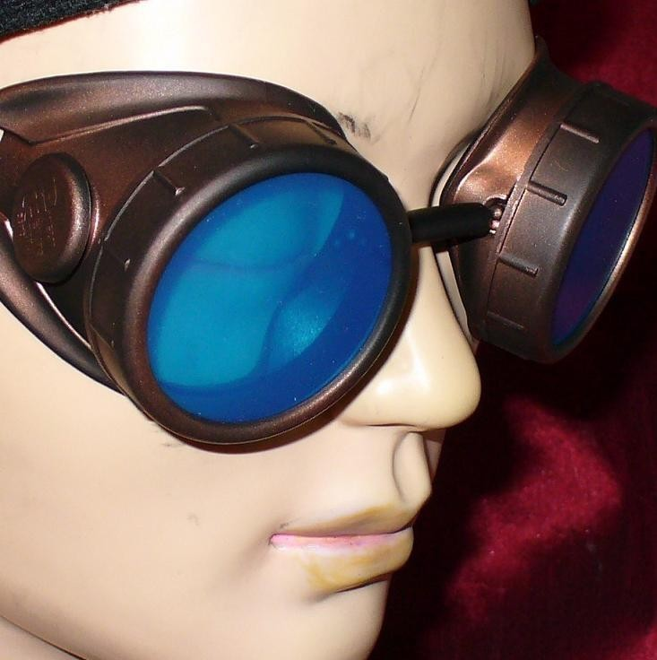 Dark Brown Goggles: Blue Lenses