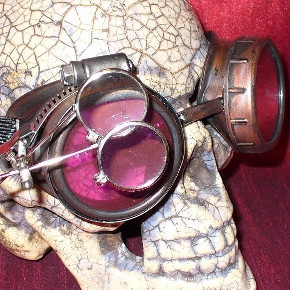 Gold Apocalypse Goggles: Red Lenses w/ Eye Loupe