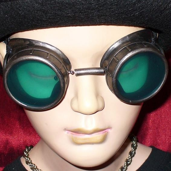 Brown Toned Goggles: Green Lenses