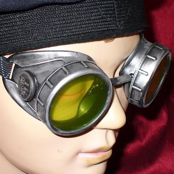 Silver Tonned Goggles: Yellow Lenses