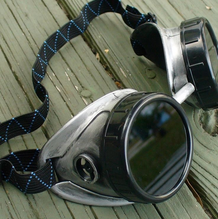 Silver & Black Goggles: Dark Lenses