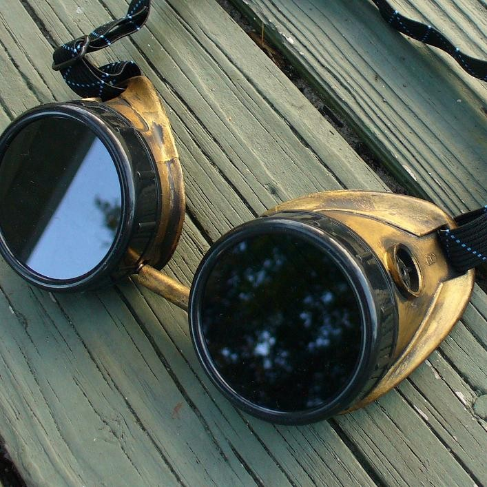 Brass & Black Goggles: Dark Lenses
