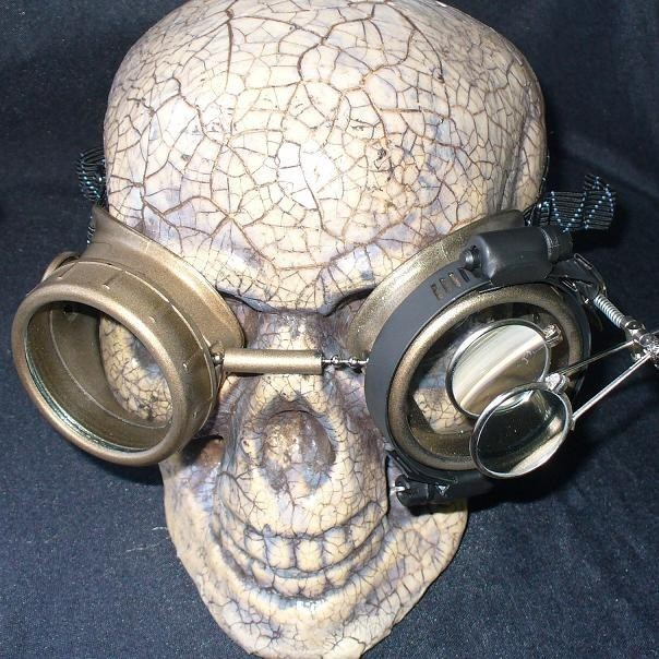 Gold Apocalypse Goggles: Clear Lenses w/ Eye Loupe
