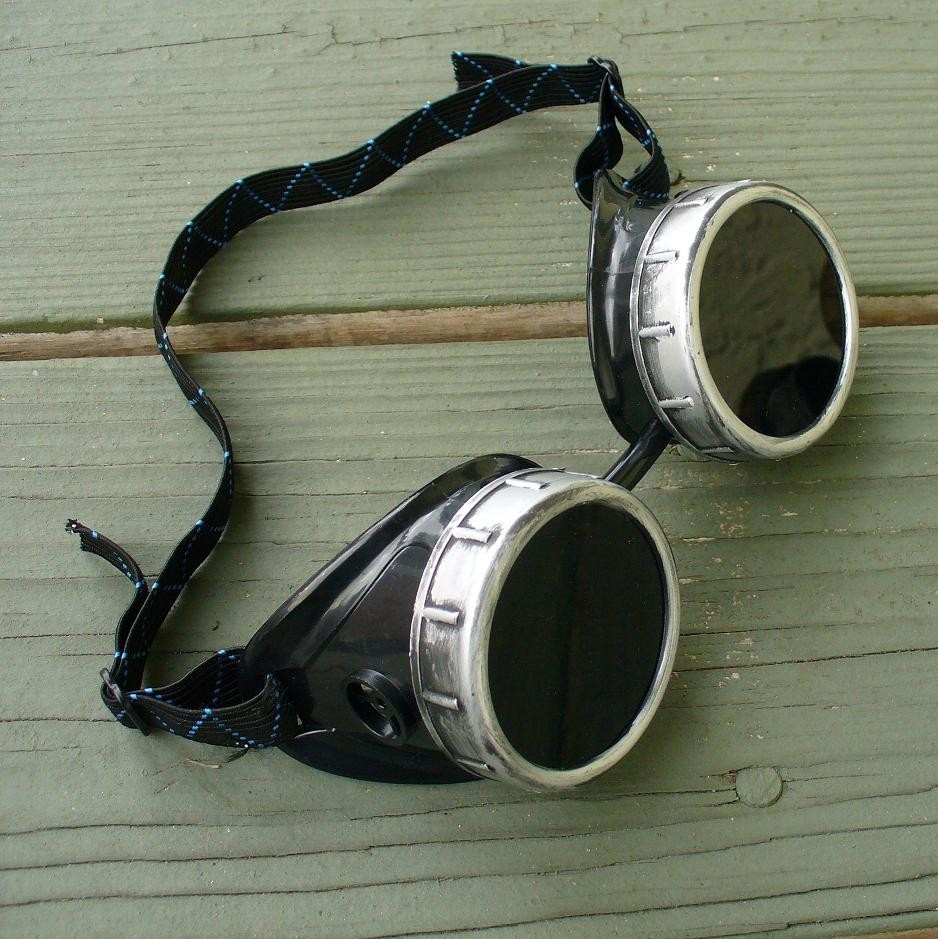 Black & Silver Toned Goggles: Dark Lenses