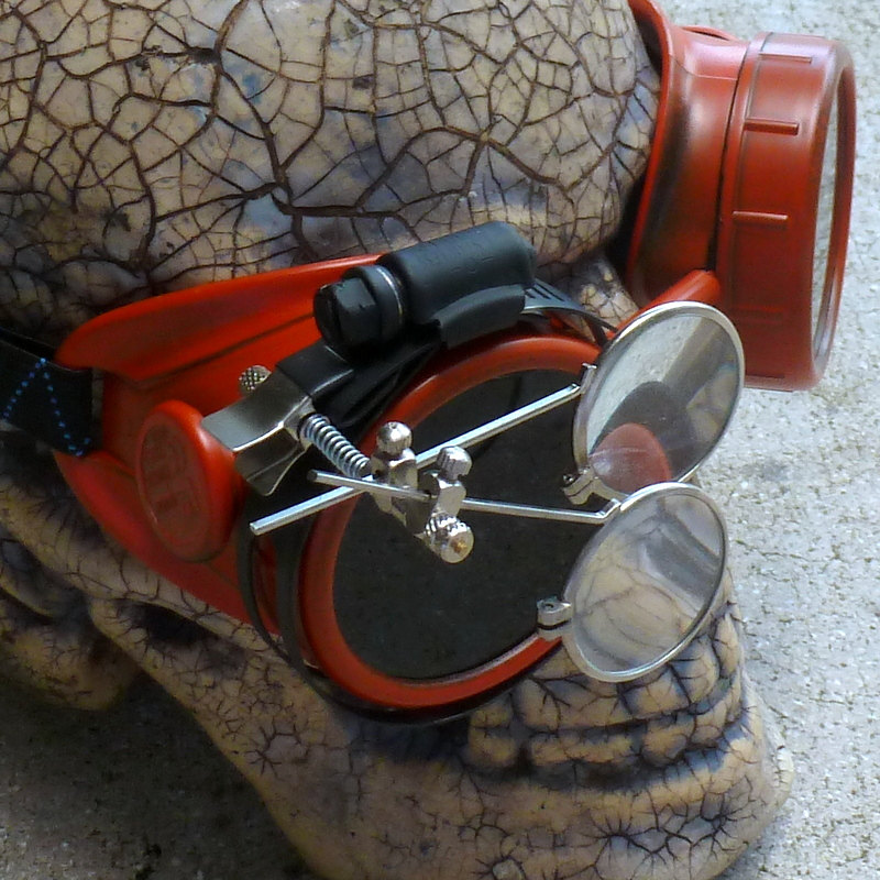 Apocalypse Gambler Goggles Red Eye Clamps w Eye Loupe