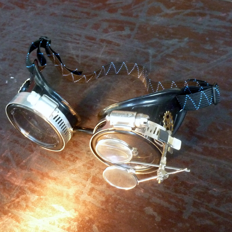 Black Goggles: Clear Lenses /w Steampunk Gears Ring & Eye Loupes