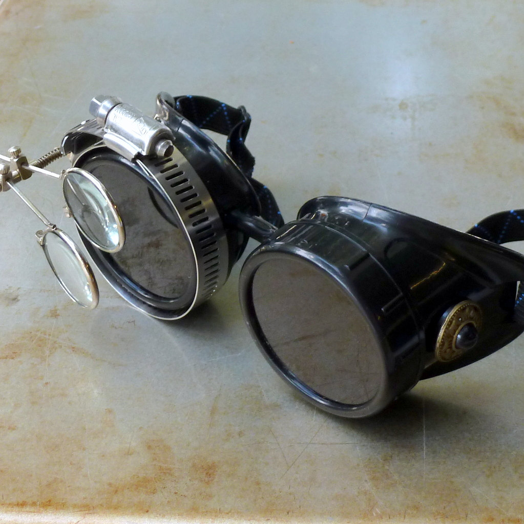 Black Goggles: Black Lenses w/ Black Turquoise Side Pieces & Eye loupe