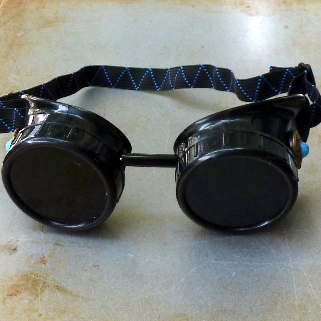 Black Goggles: Dark Lenses w/ Blue Turquoise Side Pieces