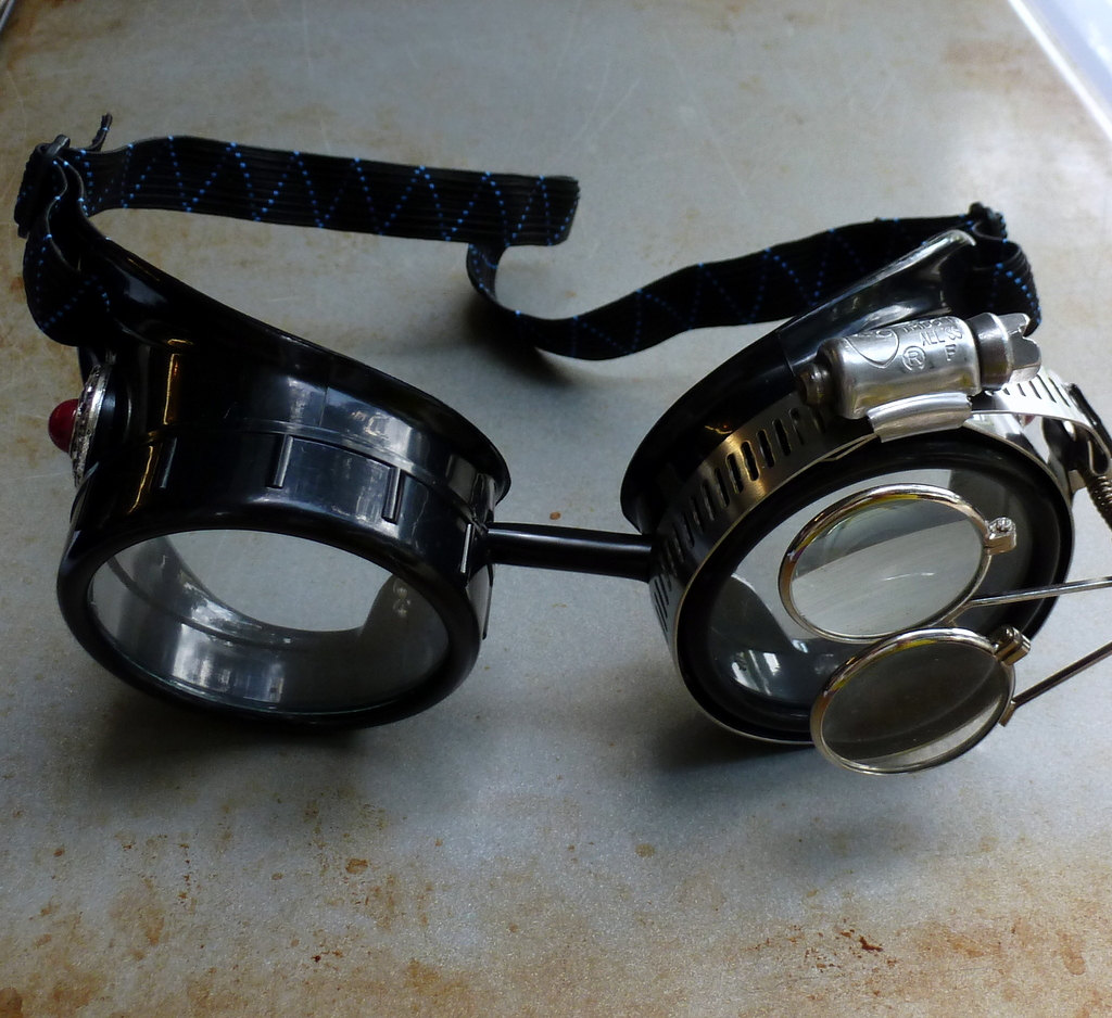 Black Goggles: Clear Lenses w/ Eye Loupe & Red Turquoise Side Pieces