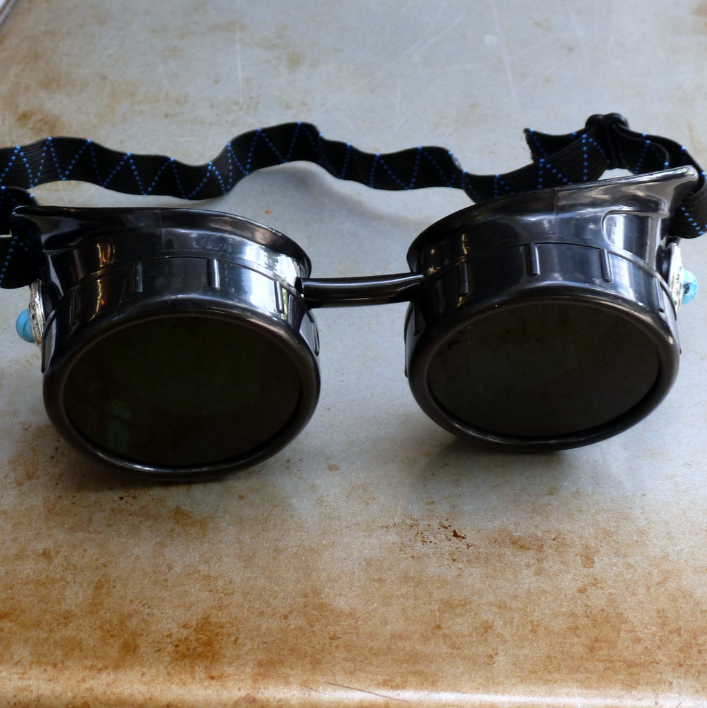 Black Goggles: Dark Lenses & Blue Turquoise Side Pieces