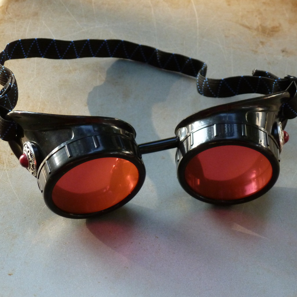 Black Goggles: Red Lenses & Red Turquoise Side Pieces