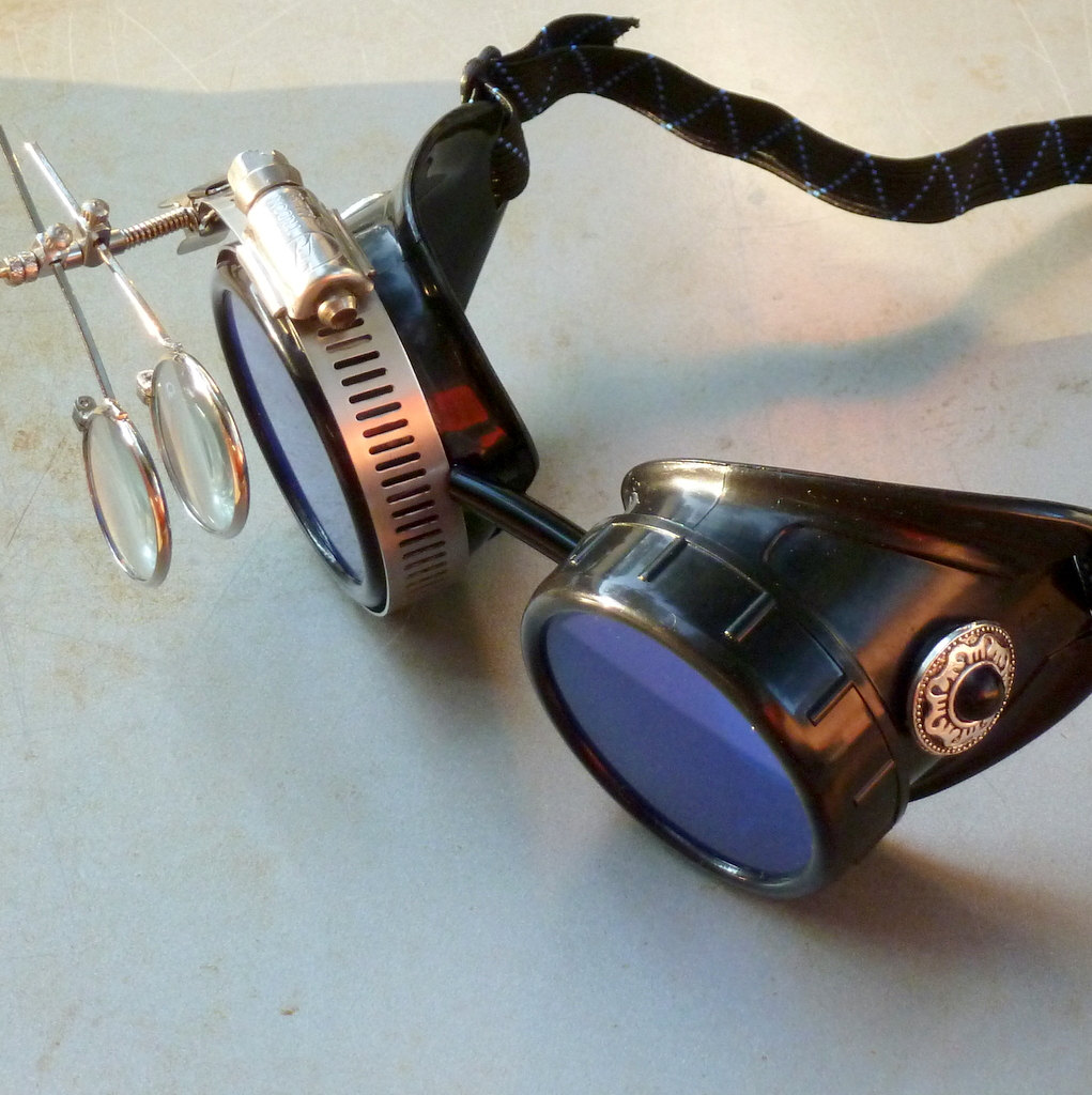 Black Goggles: Blue Lenses w/ Eye Loupe & Black Pearl Sides