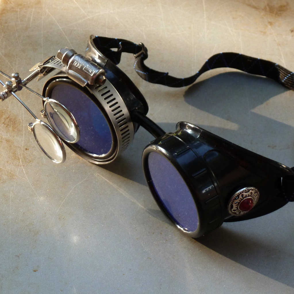 Black Goggles: Blue Lenses w/ Eye Loupe & Red Turquoise Side Pieces
