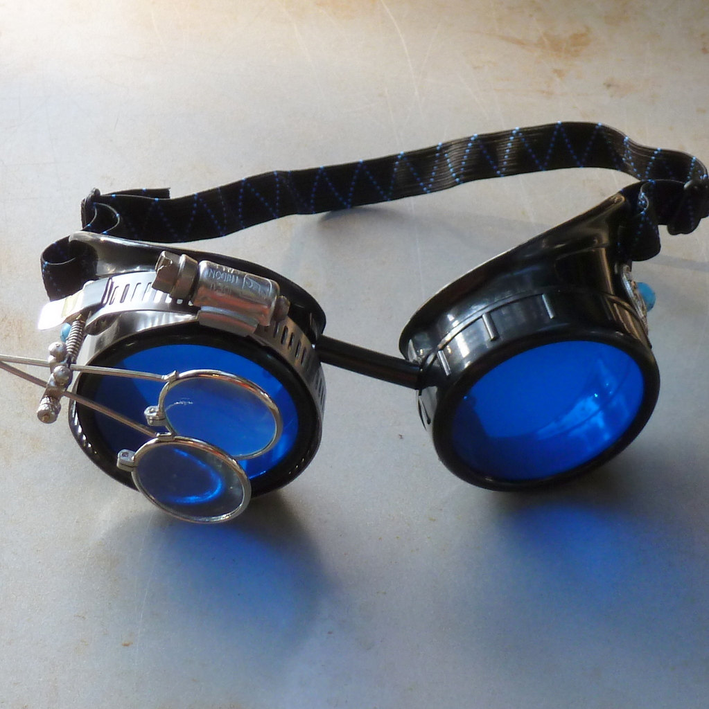 Black Goggles: Blue Lenses w/ Eye Loupe & Turquoise Side Pieces