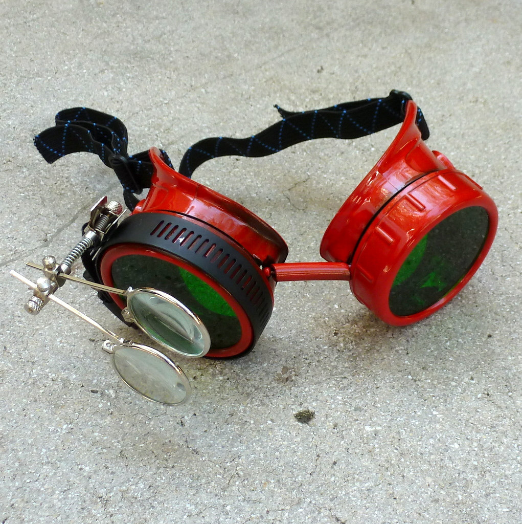 Red Apocalypse Goggles: Green Lenses w/ Eye Loupe