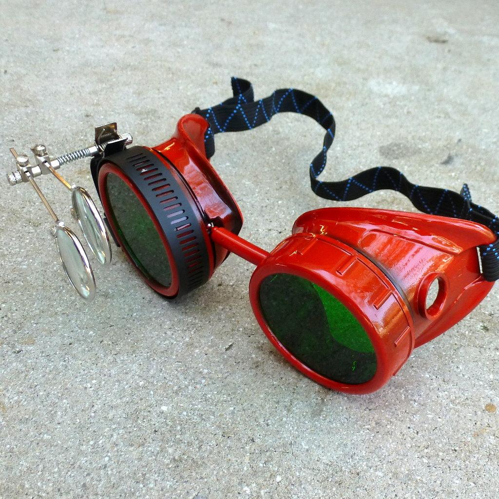 Red Apocalypse Goggles: Green Lenses w/ Eye Loupe