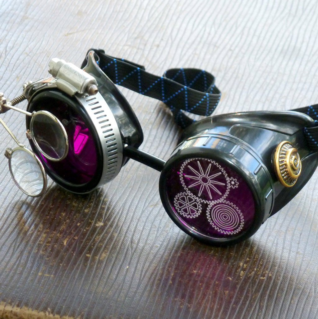 Black Goggles: Purple Lenses w/ Etched Cogs & Eye Loupe