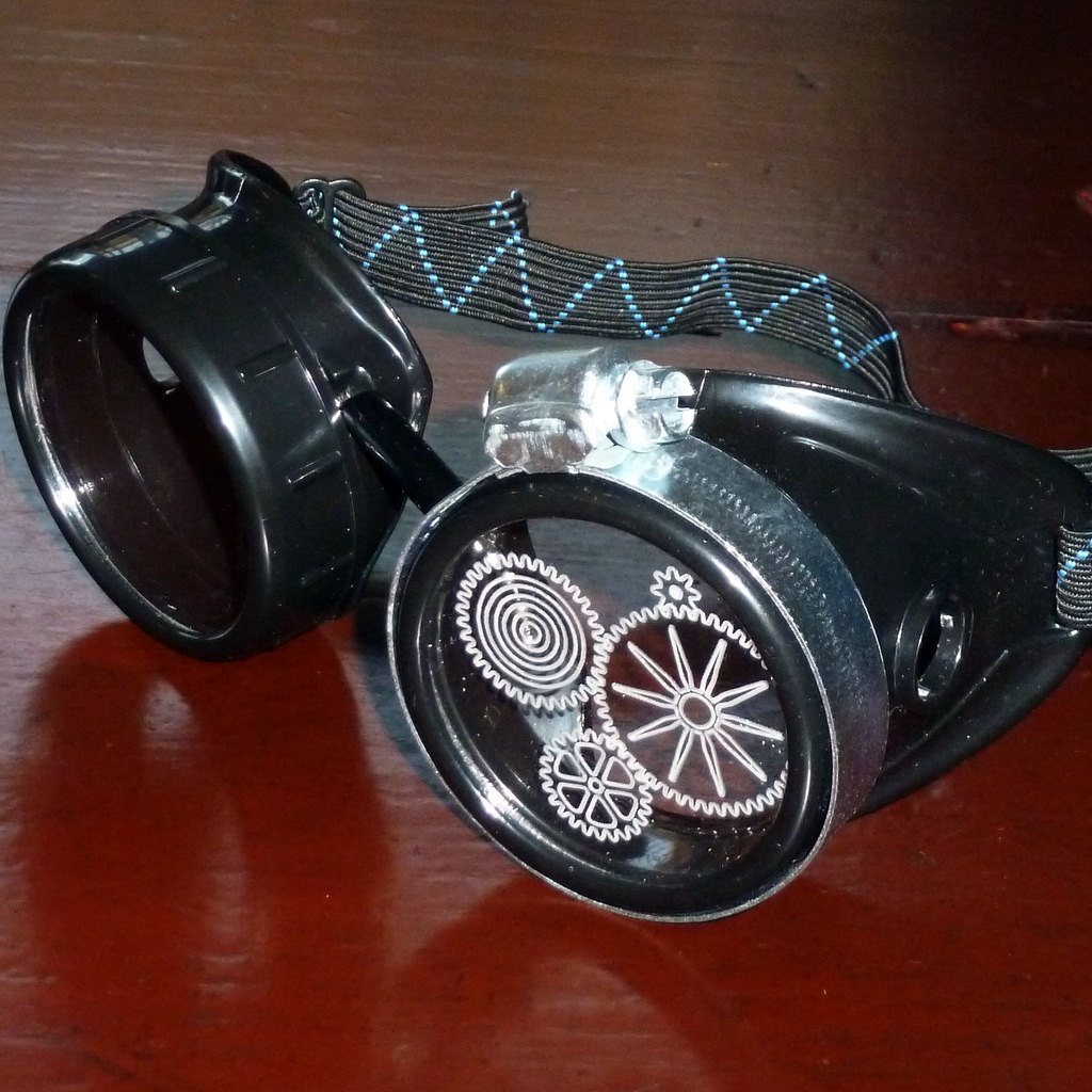 Black Goggles: Dark Lenses w/ Etched Cogs