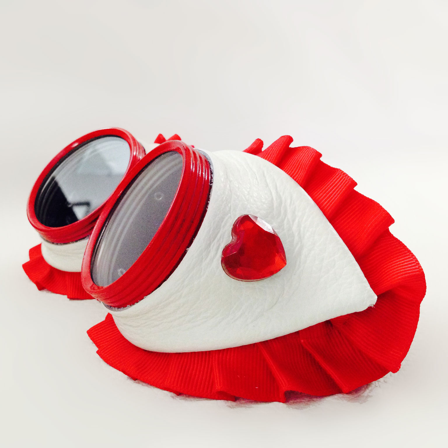 Queen of Hearts Goggles Side