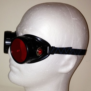 Red steampunk goggles - 3/4 view